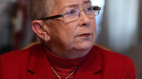 Congresswoman Carolyn McCarthy announces she will not be