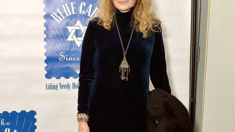 Mia Farrow attends the 79th Annual Blue Card