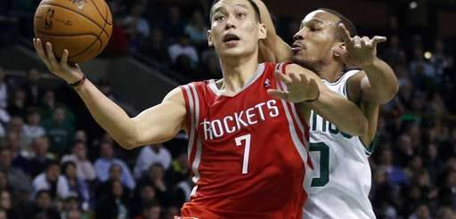 Houston Rockets point guard Jeremy Lin (7) drives