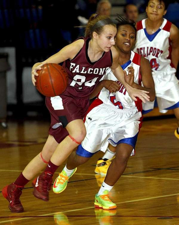 Deer Park's Kristy Vitucci brings the ball up