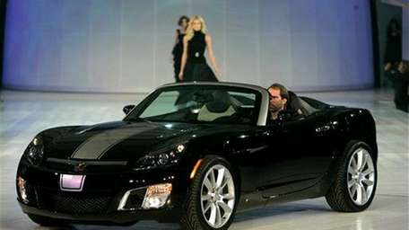 Saturn Sky Red Line is introduced at GM
