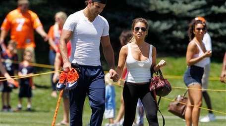 ERIC DECKER AND JESSIE JAMES The wide receiver
