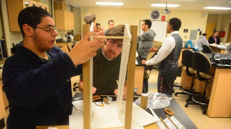 (L-R) Hofstra first year engineering students Geoffrey Rohberder