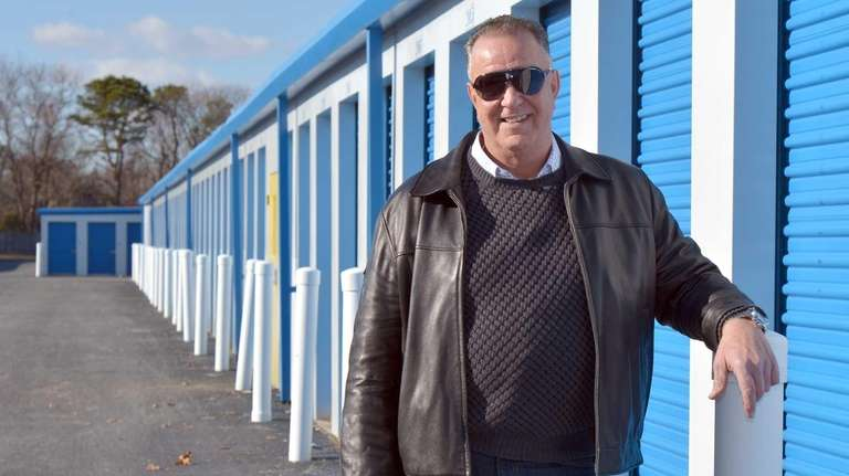 Dennis Forman stands at a Lincoln Avenue location