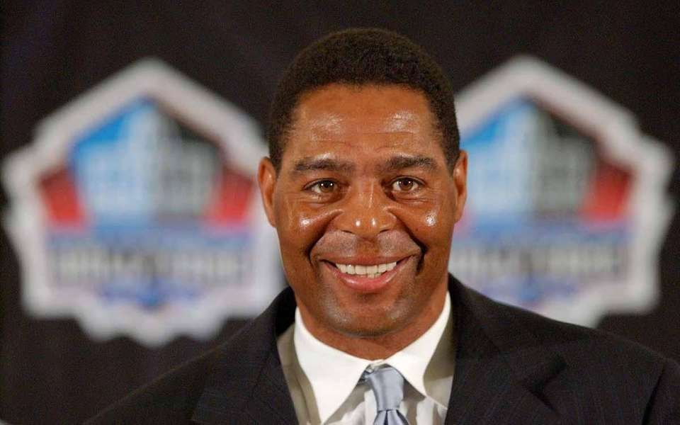 Raiders running back Marcus Allen was named MVP