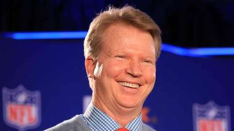 Giants QB Phil Simms was named MVP of