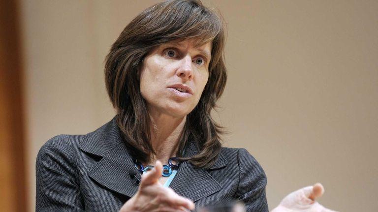 Dawn Zimmer, mayor of Hoboken, speaks at the