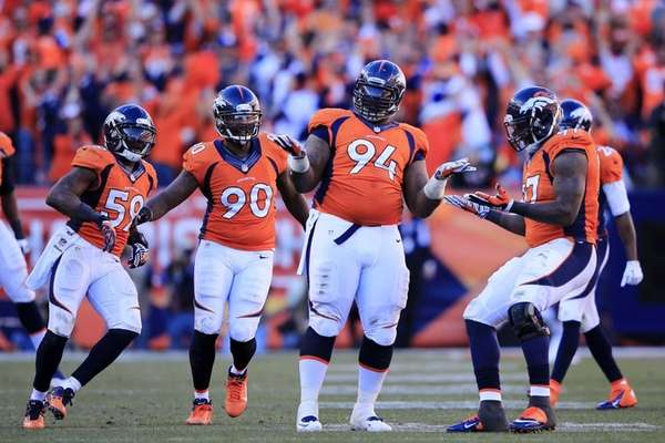 Terrance Knighton of the Denver Broncos and teammates