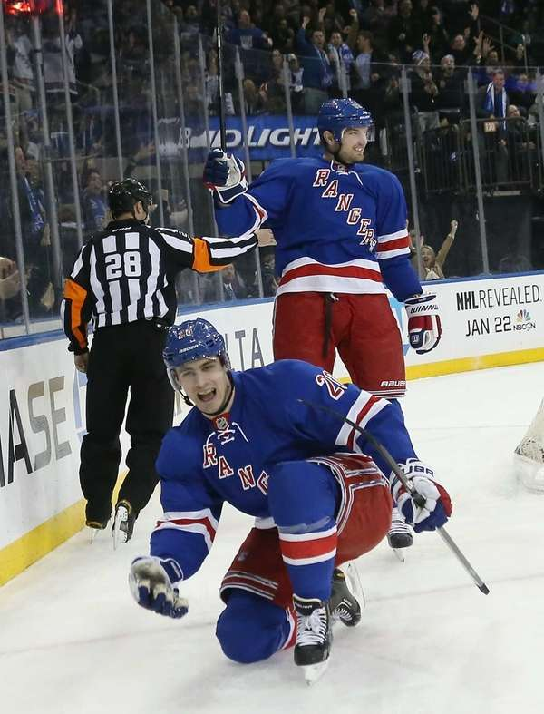 From left, Chris Kreider and Rick Nash of