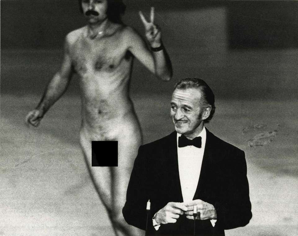 David Niven didn't let the surprise appearance by