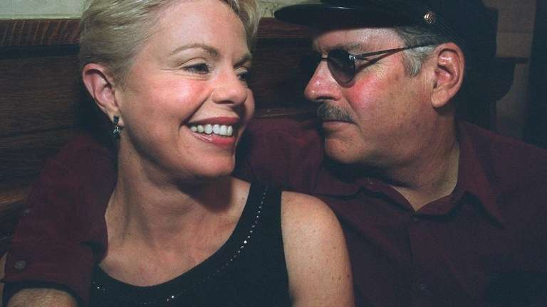 Toni Tennille and Daryl Dragon, of the singing