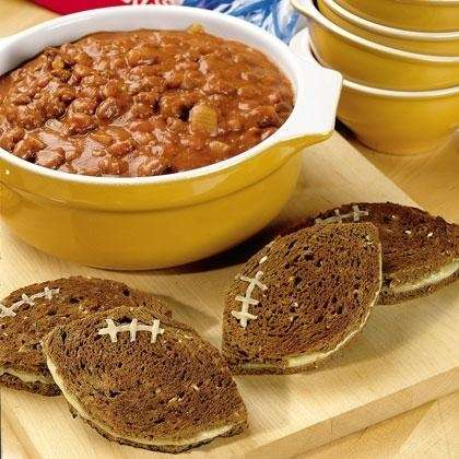 "Pumpkin chili with grilled cheese ""footballs"""