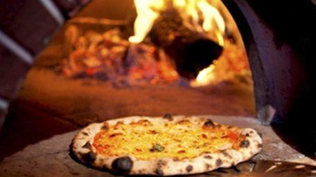 Boccone Pizzeria Brick Oven Ristorante in Selden serves