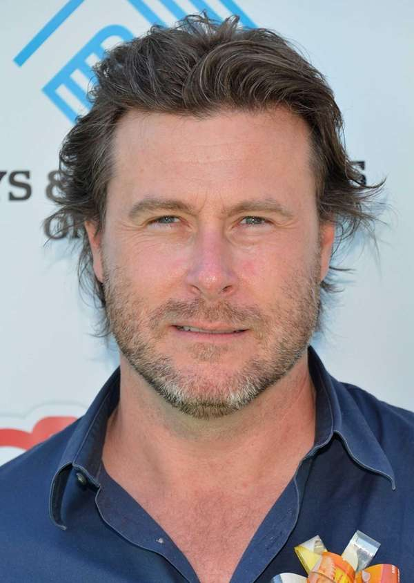 Actor Dean McDermott joins The Lunchables Team