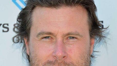 Actor Dean McDermott joins The Lunchables Team