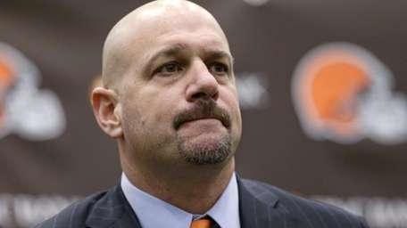 Cleveland Browns coach Mike Pettine listens to a