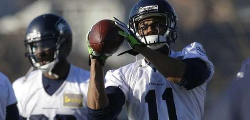 Seattle Seahawks wide receiver Percy Harvin (11) catches