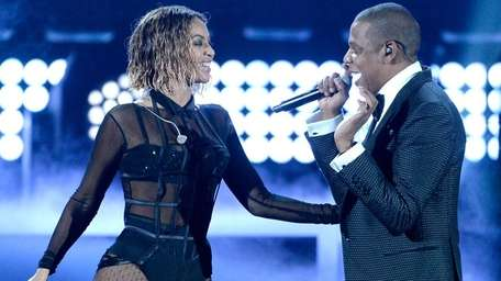 Beyoncé and Jay Z open the 56th Grammy