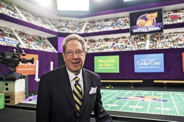 John Sterling will do play-by-play for the Kitten