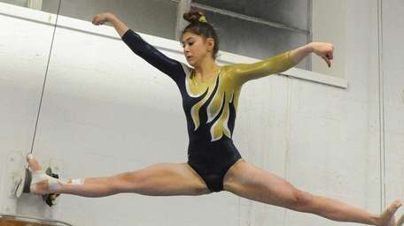 Bethpage's Sarah Ciresi performs her routine on the