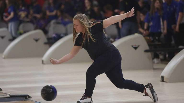 East Islip's Meghan Kuehne bowls during the Suffolk