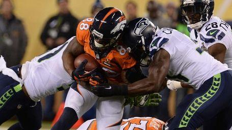 Denver Broncos wide receiver Demaryius Thomas (88) gets