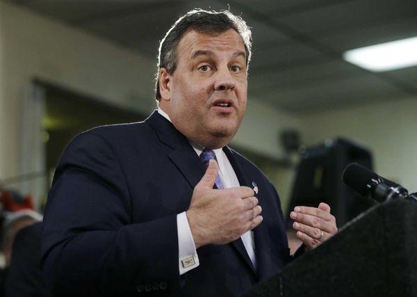 New Jersey Gov. Chris Christie addresses a gathering