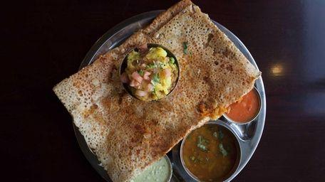 The chennai rava masala (semolina) dosai platter is