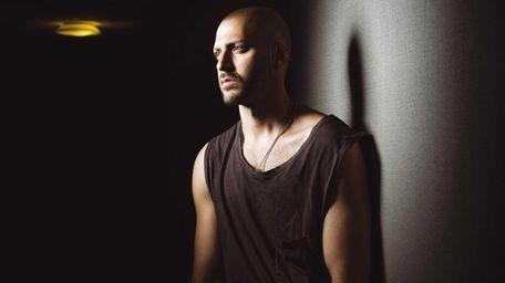 Long Island-based singer-songwriter Ryan Star hit the Nicole