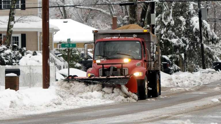 A town of Brookhaven salt spreader plows 4th