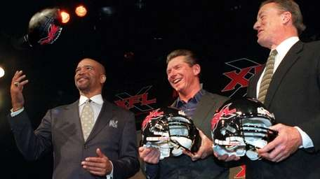 Drew Pearson, left, former Dallas Cowboys wide receiver,