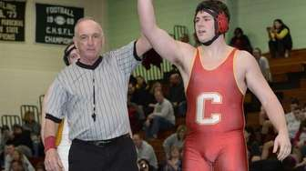 Chaminade's Charles Pederson won by pinning Kellenberg's Eric