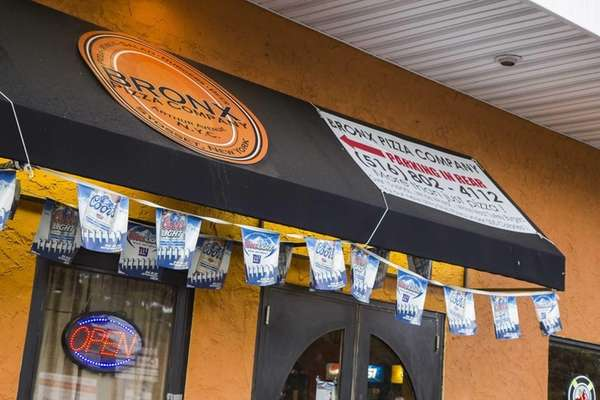 Bronx Pizza Company in Syosset offered 17 beers