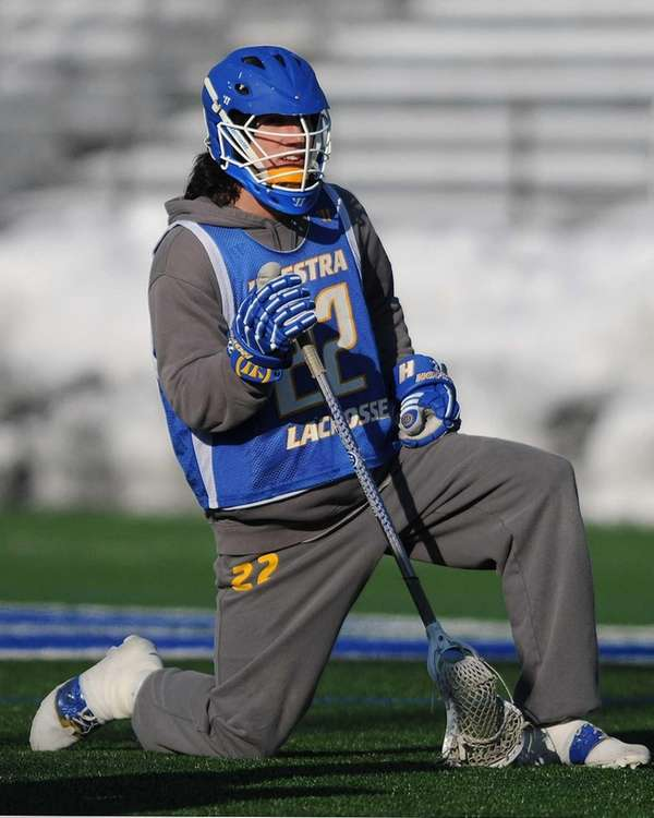 Hofstra's John Reicherter practices with the men's lacrosse