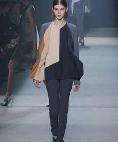 A model walks the runway at the Narciso