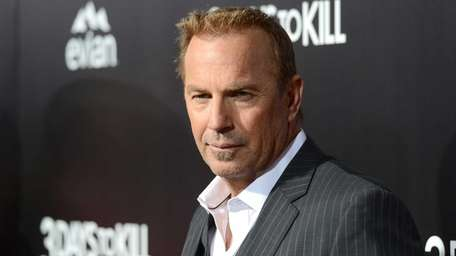 Kevin Costner arrives at the premiere of