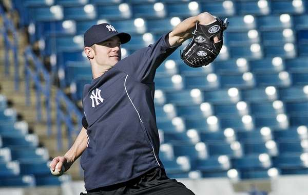 Yankees pitcher David Robertson works out at Steinbrenner