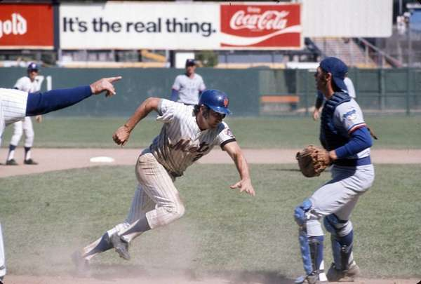 Jim Fregosi of the Mets gets caught in