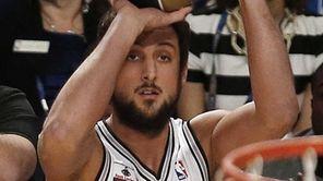 Marco Belinelli of the San Antonio Spurs shoots