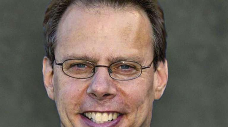 Mets radio broadcaster Howie Rose will make the