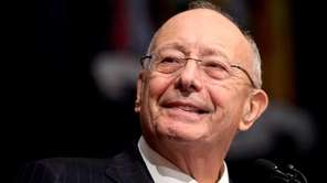 Former Sen. Alfonse D'Amato speaks at the swearing