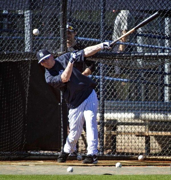Yankees shortstop Brendan Ryan takes batting practice on