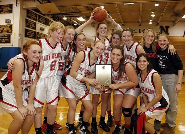 The Pierson/Bridgehampton girls basketball teams poses with the