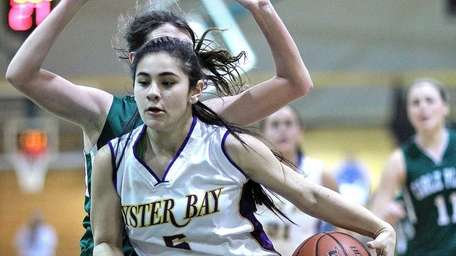 Oyster Bay's Gianna Gotti gets underneath against Carle