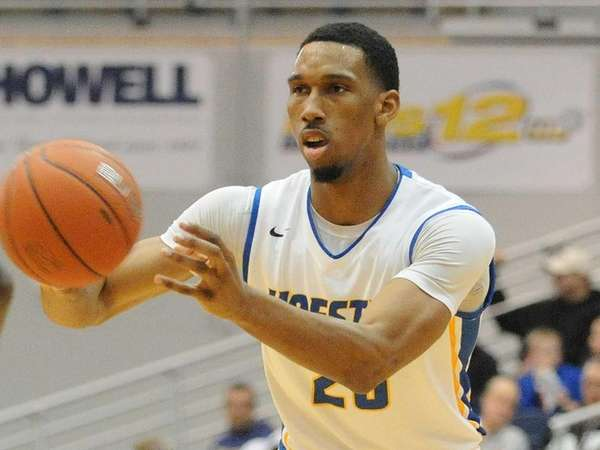 Hofstra's Jamall Robinson makes a pass during the