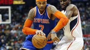Knicks forward Carmelo Anthony drives against Atlanta Hawks