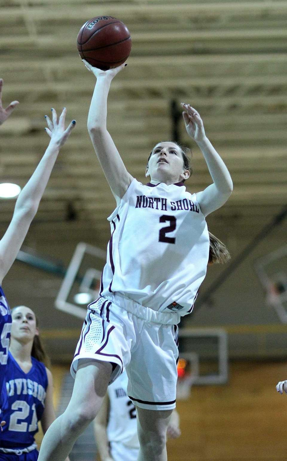 North Shore's Ashleigh Sheerin takes an inside shot