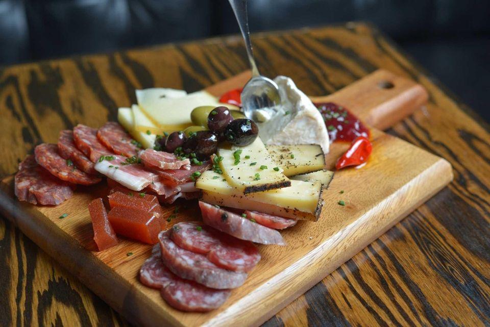 Tullulah's, Bay Shore: Steven Scalesse's stylized restaurant includes