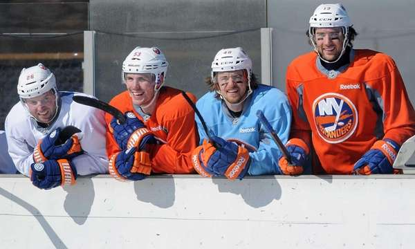 From left, Thomas Vanek, Casey Cizikas, Michael Grabner