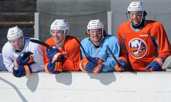 From left, Thomas Vanek, Casey Cizikas, Michael Grabner